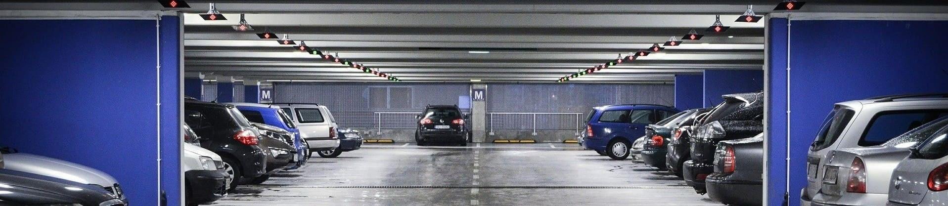 Parking souterrain au centre du village de Châtel