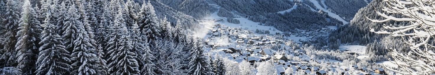 Village de Châtel en hiver