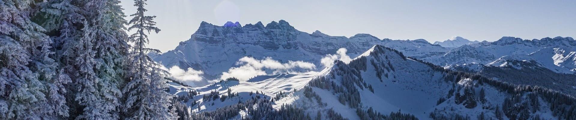 Vue hiver sur les Dents du Midi depuis Châtel