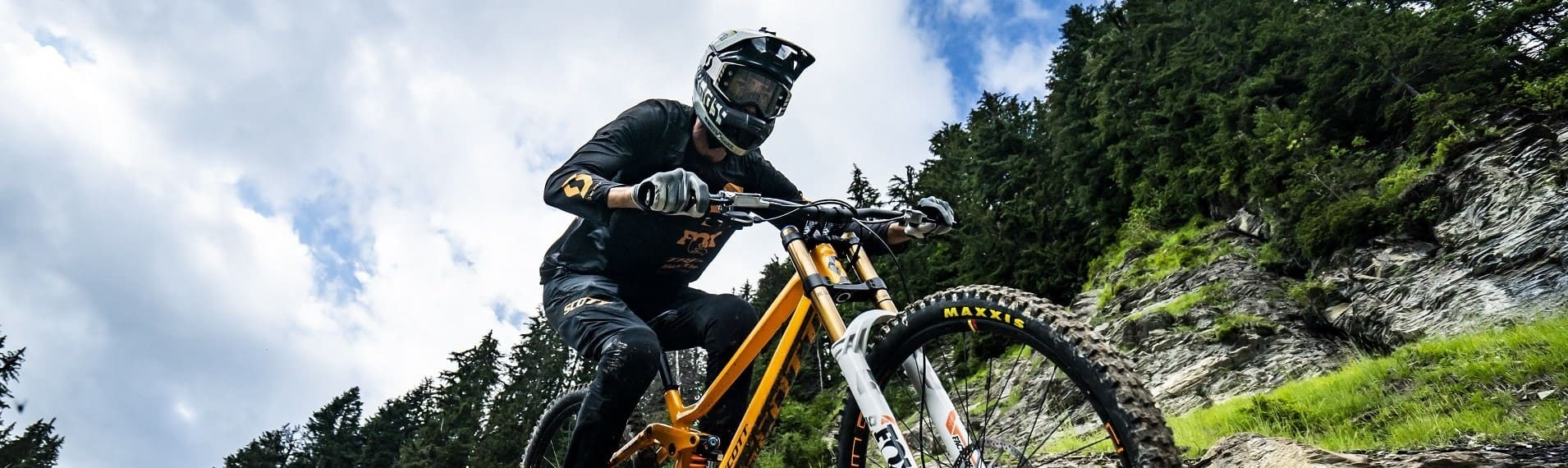 MTB rider Châtel © Lambert