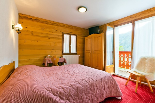 hotel booking le roitelet chatel