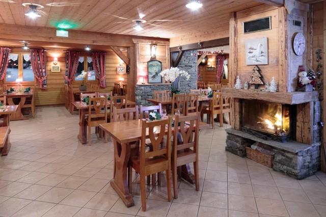 Hotel La Perdrix Blanche Châtel demi-pension