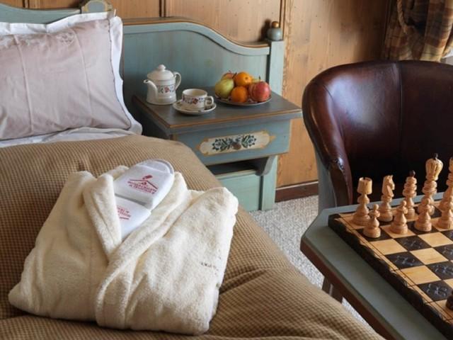 hotel booking macchi chatel