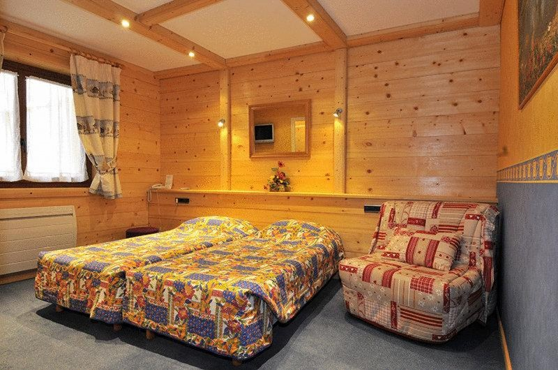 hotel booking les armaillis chatel centre