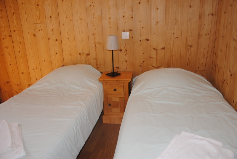 hotel booking les combelles chatel linga