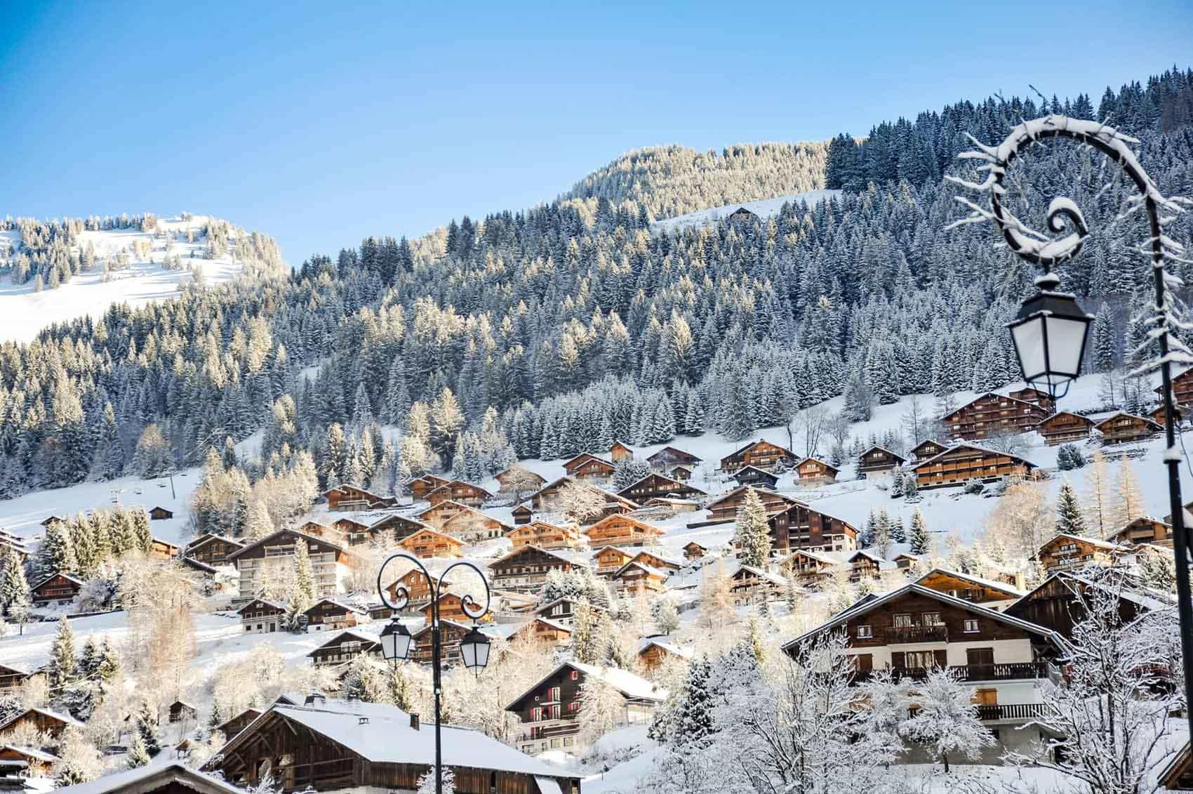 Chalets et résidences de Châtel en hiver