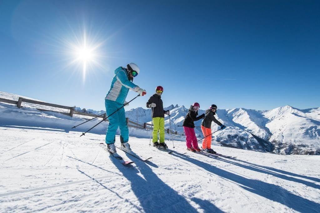 Cours de ski collectif avec ESI Châtel © Apernet