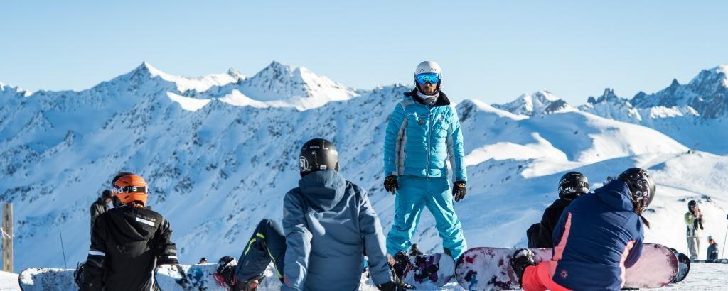 Cours de snowboard matin - ESI Pro Skiing Pré La Joux Châtel© Apernet