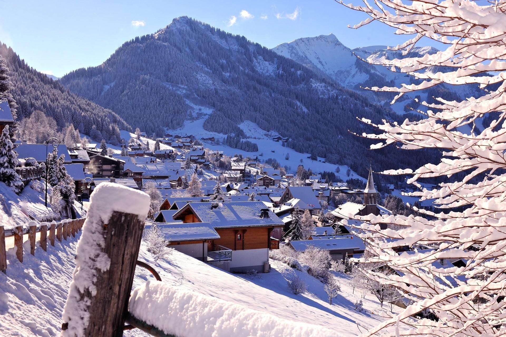 Le village de Châtel Haute Savoie en hiver