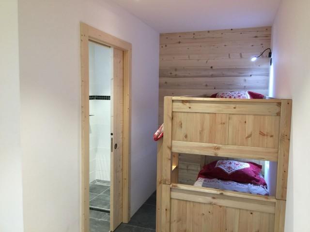 Appartement 103, résidence Bois Colombe, Chambre 2 lits simples + 2 lits superposés Châtel Alpes du Nord