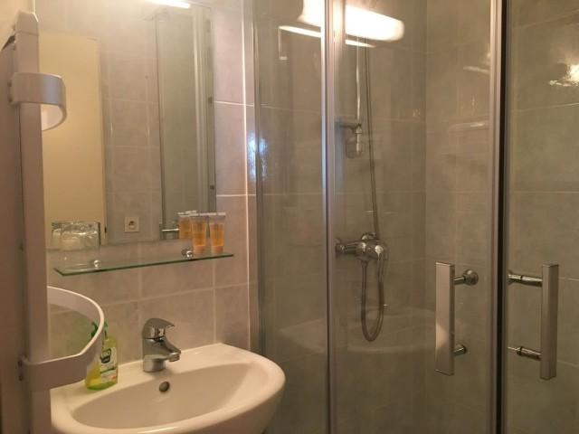 Appartement 113 dans la résidence Hameau des 4 saisons Bat C, Salle de douche Châtel