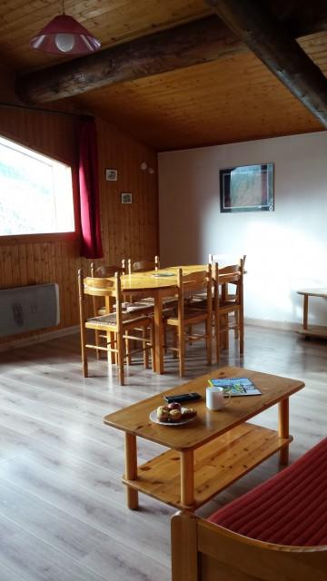 Appartement Choucas Blanc Chamois Séjour Châtel 74