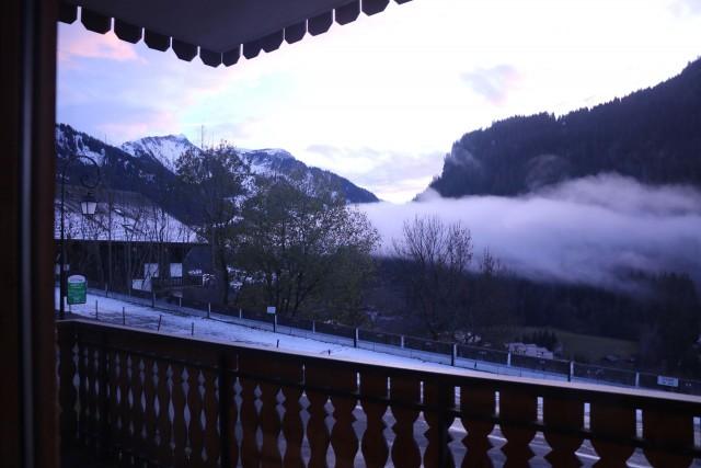 Appartement Choucas Blanc Gentianes Balcon Châtel 2