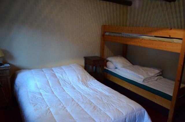 Appartement dans chalet la clairière, Chambre 1 lit double + 2 lits superposés, Châtel Portes du Soleil