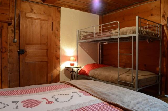 Appartement dans Chalet La Louise Chambre Châtel