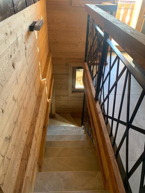 Appartement le Terroit 01B Escalier Châtel