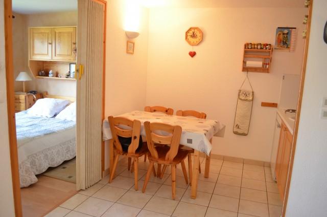 Appartement Les Sorbiers 002 salle à manger Châtel