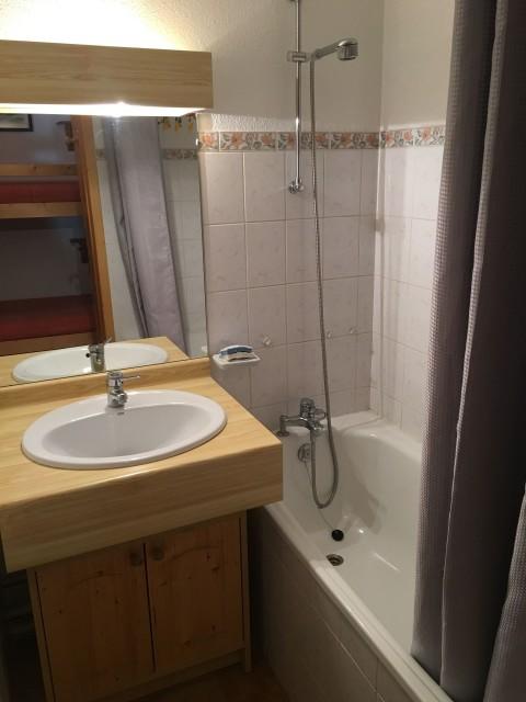 Appartement Les Tyroliens 8A, Salle de Bain Châtel