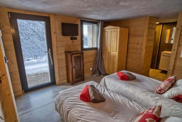 Appartement Martonne terrasse, Chambre 2 lits simples au rez de chaussée, Châtel Haute Savoie