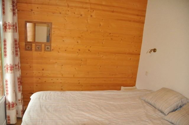 Appartement n°5 dans chalet les bouquetins, Chambre Châtel