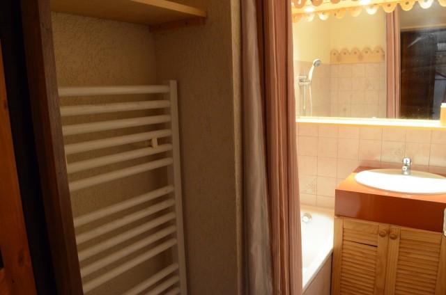 Appartement Perchoir 9, Salle de Bain Châtel