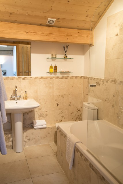 bathroom-10-3503541