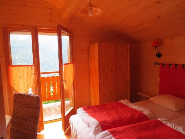 Chalet le Castor, Chambre 2 lits simples n°1, Châtel