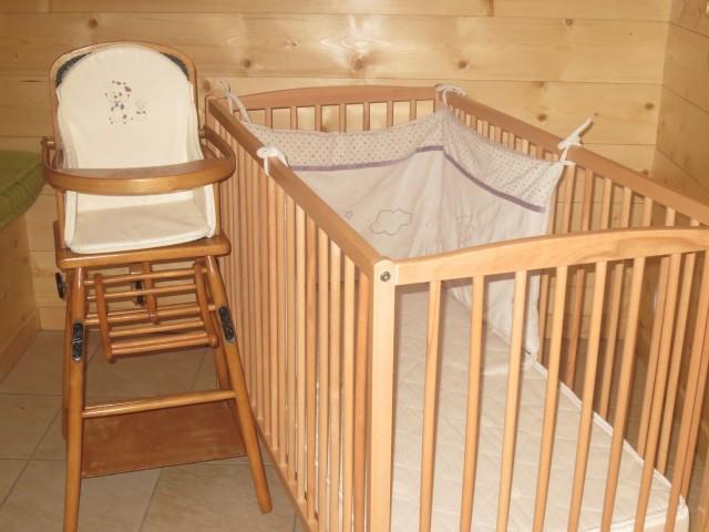 Chalet Le Cerf Chambre Lit bébé Châtel