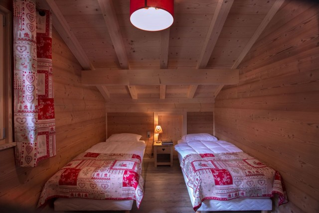 Chalet le Savoyard, Chambre 2 lits simples, Châtel