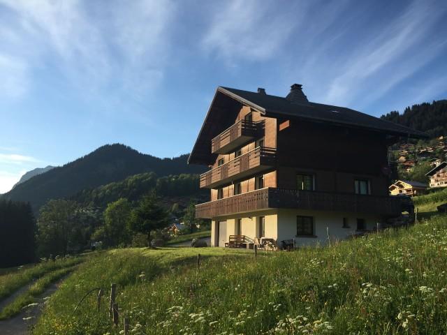 Chalet le Val d'Or en été, Châtel Portes du Soleil