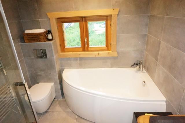 Chalet les 3 ours salle de bain Châtel