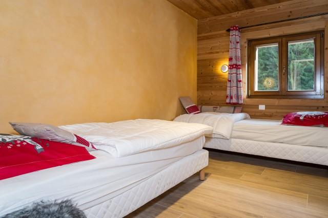 Chalet les Bucherons, Chambre 2 lits simples, Châtel 74