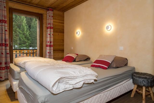Chalet les Bucherons, Chambre 2 lits simples, Châtel Portes  Du Soleil