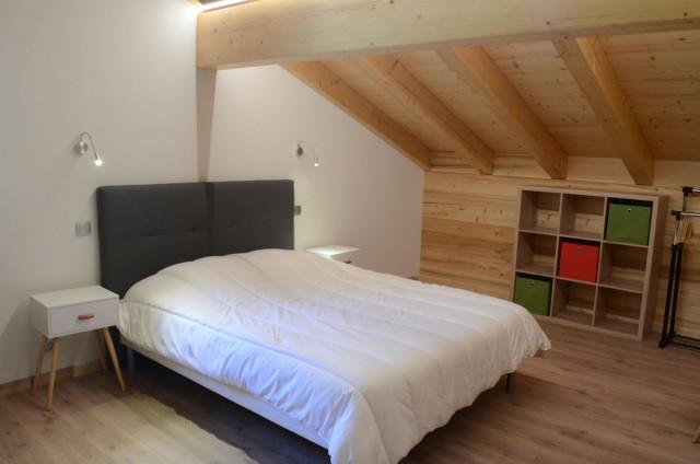 Chalet les sources, Chambre 1 lit double à l'étage, Châtel
