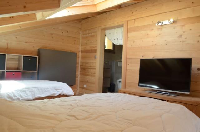 Chalet les sources, chambre 2 lits simples + 1 lit gigogne à l'étage, Châtel Haute Savoie