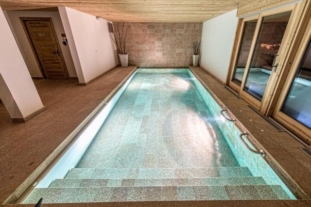 pool-2-3498135
