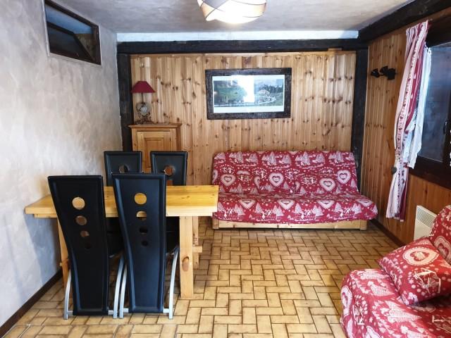 salon 2 pieces vieux four 000