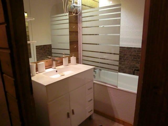 Appartement 69 dans la résidence Yéti Bat 1, Salle de bain Châtel