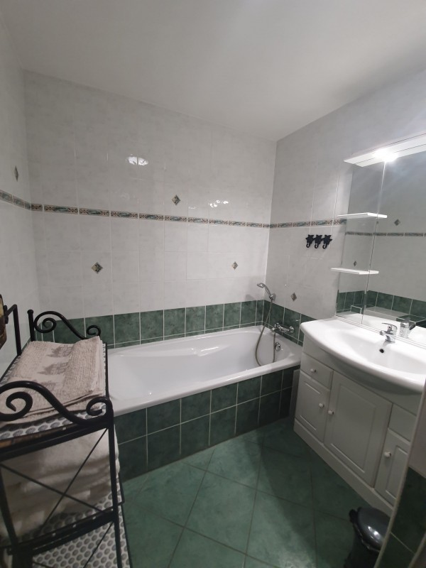 Appartement BOULE DE NEIGE baignoire Châtel