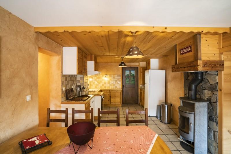 Appartement dans Chalet La Puce  Salle à manger + Cuisine Châtel