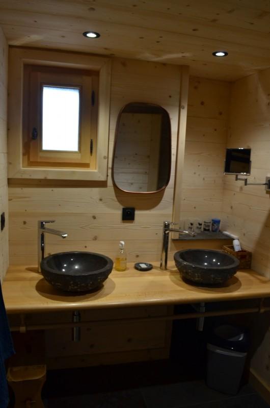 Appartement dans chalet Les Greniers Salle de Douche Châtel