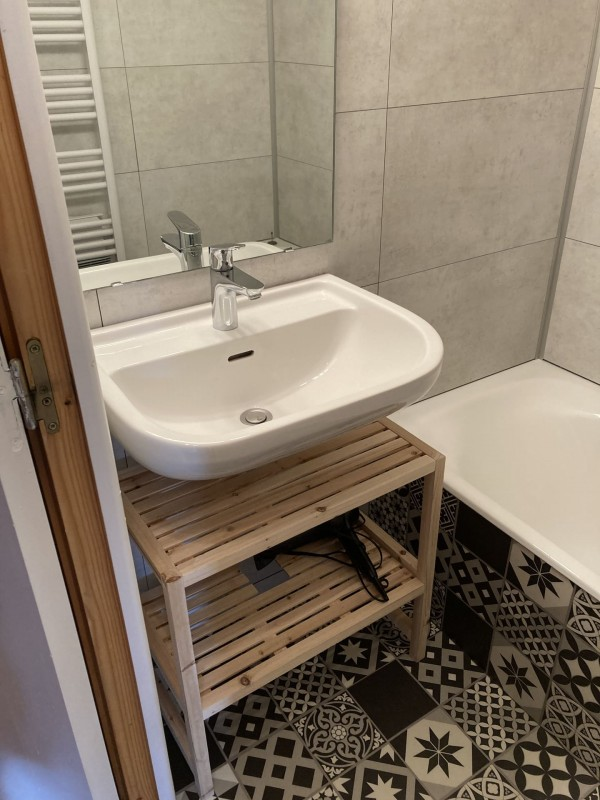 Appartement les Favioles n°9 salle de bain Châtel