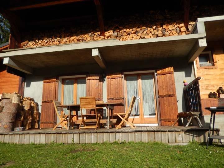 Appartement les Geraniums Terrasse Châtel été