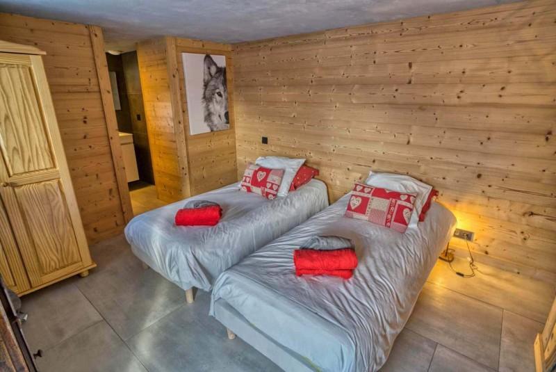 Appartement Martonne terrasse, Chambre 2 lits simples au rez de chaussée, Châtel
