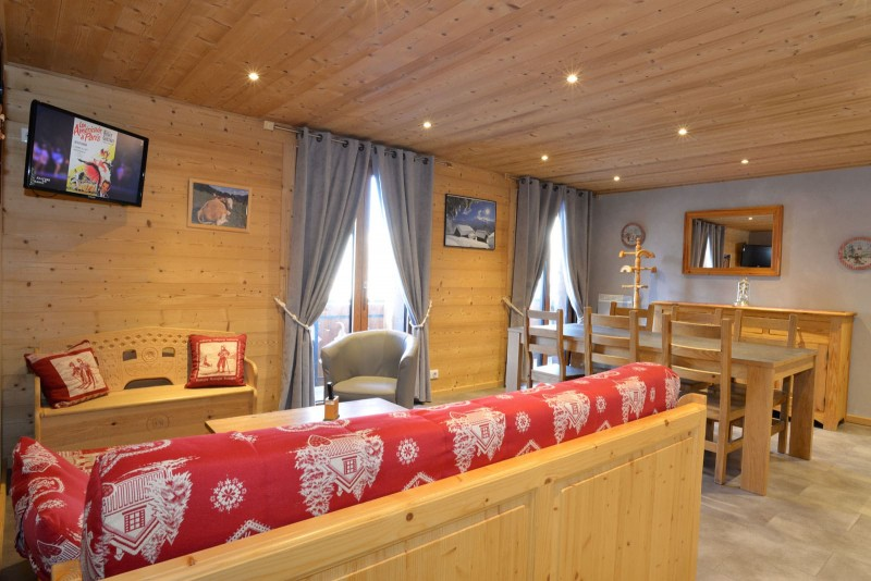 Appartement n°2 dans chalet l'EPICEA, Salon Châtel 74