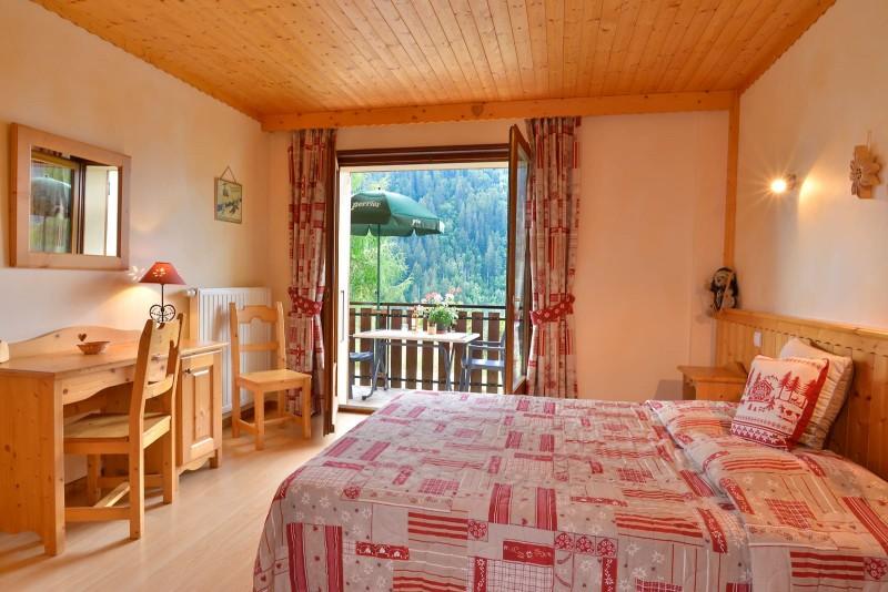 Appartement n°3 dans résidence le Blanchot, Chambre avec 1 lit double, Châtel