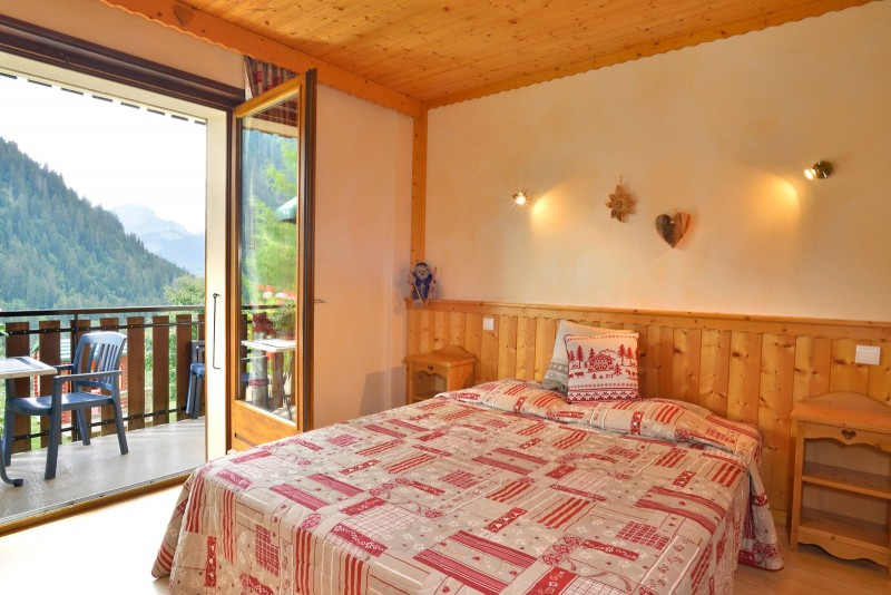 Appartement n°3 dans résidence le Blanchot, Chambre avec 1 lit double, Châtel Haute Savoie