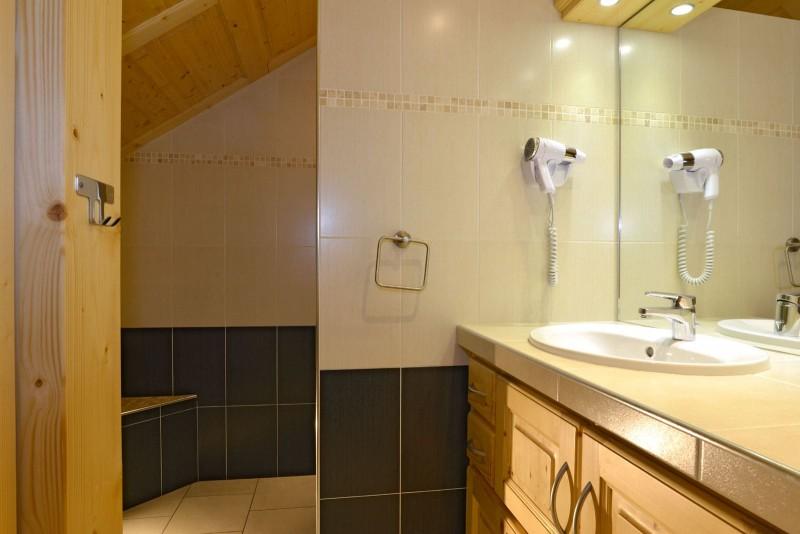 Appartement n°4 chalet L'EPICEA, Salle de douche Châtel