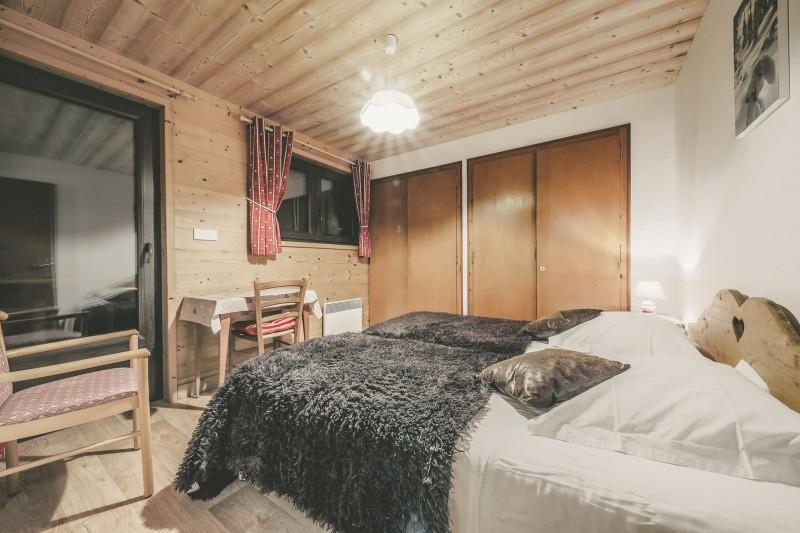 Appartement n°4 dans résidence Lou Candres, Chambre n°2 avec lit double, Châtel