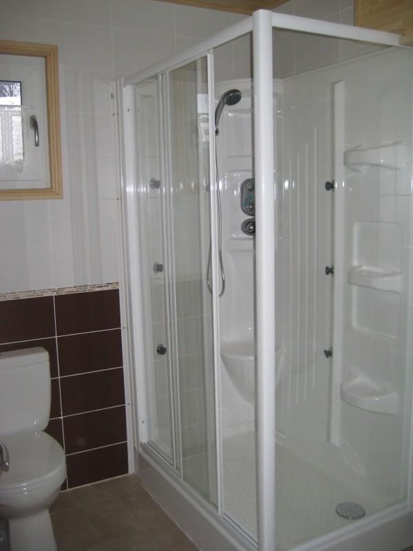 Appartement n°5 dans chalet les bouquetins, Salle de douche Châtel